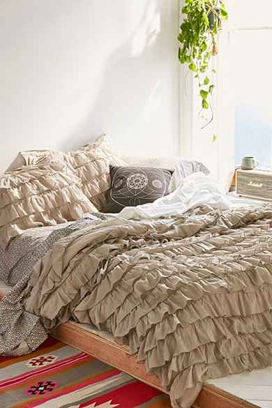 UrbanOutfitters.com > 			Apartment 									 Furnish & Decorate > 								Bedding :  duvet