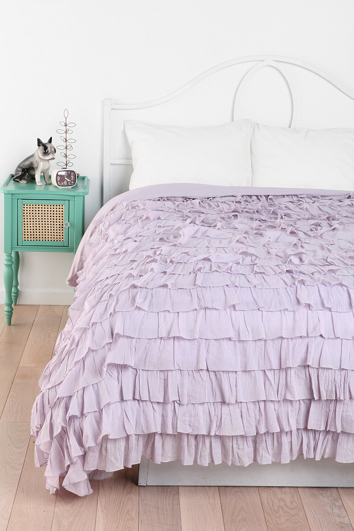 Waterfall ruffle duvet cover urban outfitters for Frilly bedspreads
