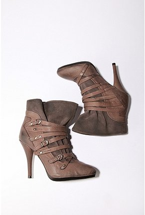 UrbanOutfitters/ Miss Sixty - Clark Boot :  leather boots leather ankle boots military shoes