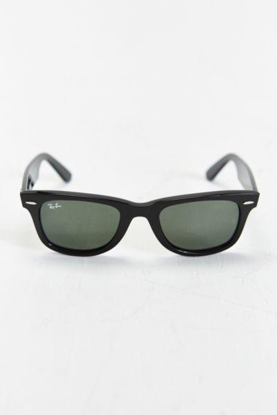 Ray-Ban Classic Wayfarer Sunglasses