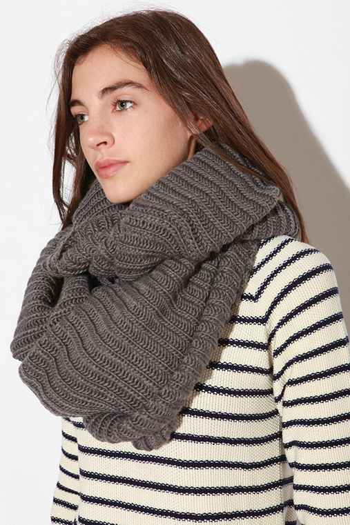 Deena & Ozzy Ribbed Eternity Scarf
