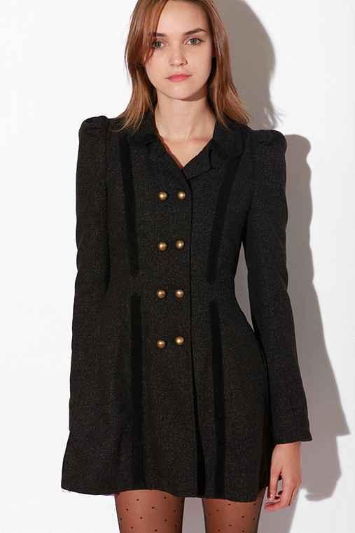 Bonnie Coat  :  coat trimmed brass buttons velvet