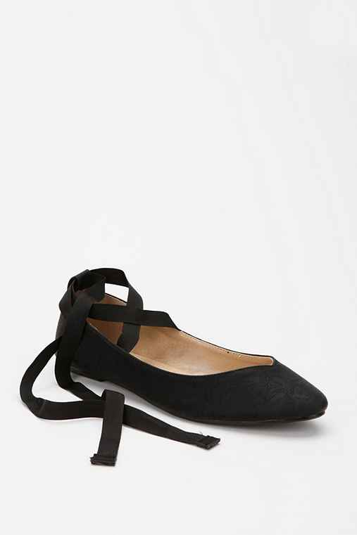 Black Ballet Shoes With Ribbon Ties