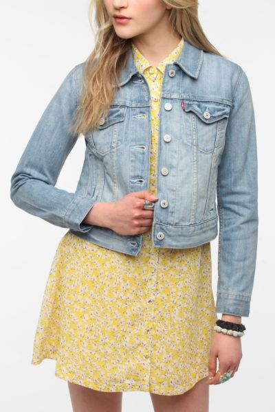Levi's Denim Trucker Jacket - Light Wash