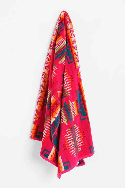 Thumbnail image for Pendleton Oversized Jacquard Bath Towel