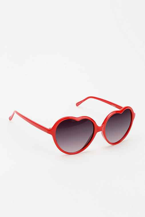 UO Sweetheart sunglasses