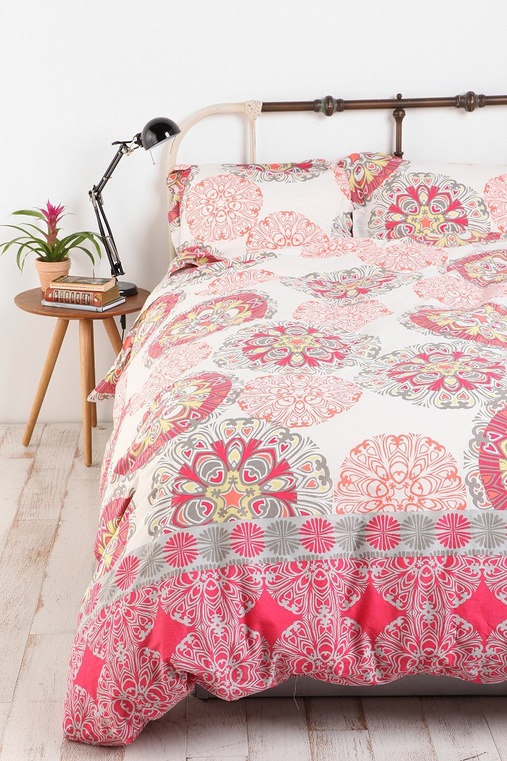 Stacked Medallion Duvet Urban Outfitters