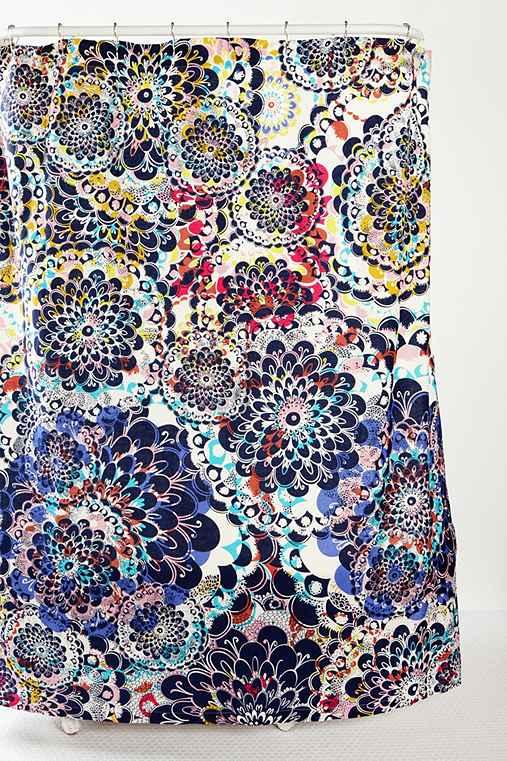 Kaleidoscope shower curtain urban outfitters - Rideau de douche insolite ...