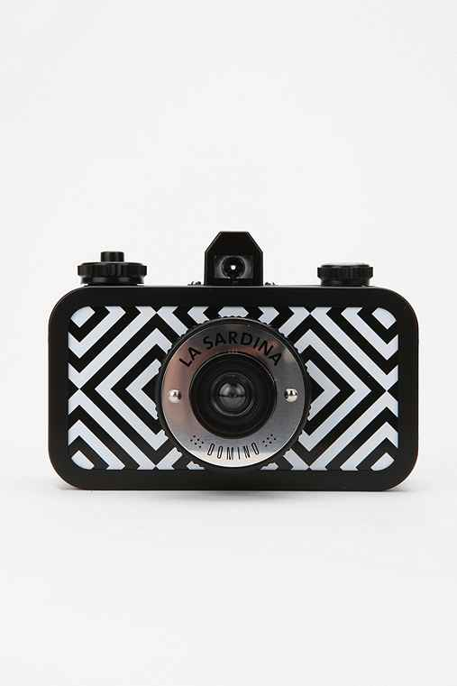 Thumbnail image for Lomography La Sardina DXL Analogue Camera