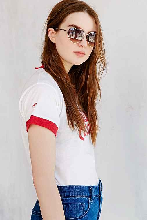 UO Heartbreaker Sunglasses,GOLD,ONE SIZE