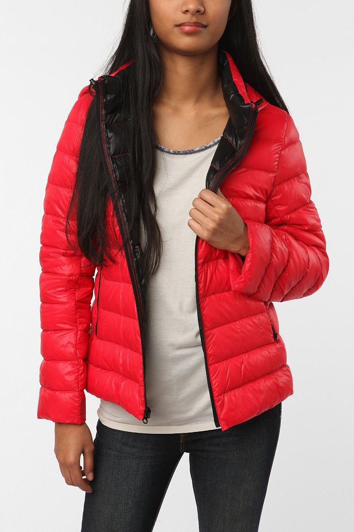 Lightweight Hooded Down Puffer Jacket