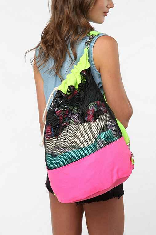 Deena & Ozzy Mesh Colorblock Bucket Backpack