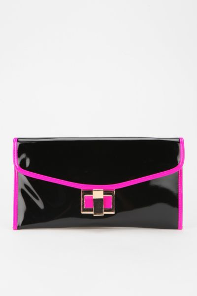 Cooperative Two-Tone Envelope Clutch