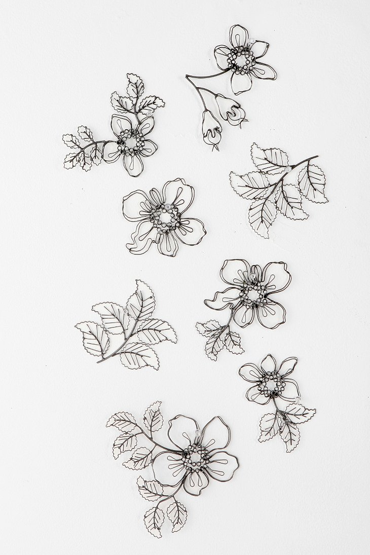 Wire Flower Sculpture Wall Art Set Of 8 Urban Outfitters