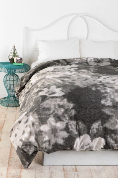 Plum & Bow Garden Duvet Cover