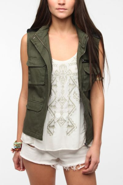 BDG Sleeveless Hooded Surplus Vest