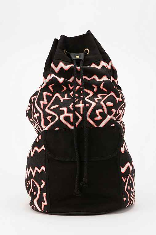 Deena & Ozzy Geo Bucket Backpack