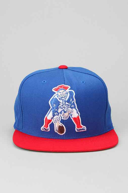 Mitchell & Ness Patriots XL Logo Hat