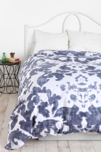 Plum & Bow Damask Duvet Cover