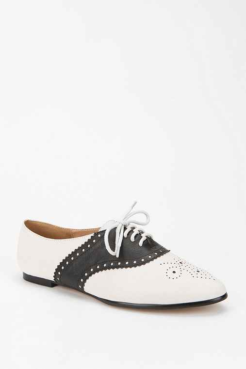 Cooperative Two-Tone Saddle Oxford