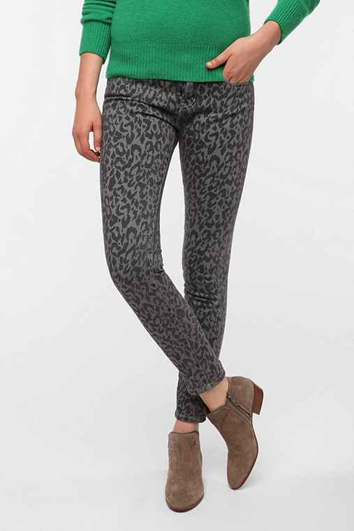 BDG Cigarette High-Rise Printed Jean - Grey Leopard