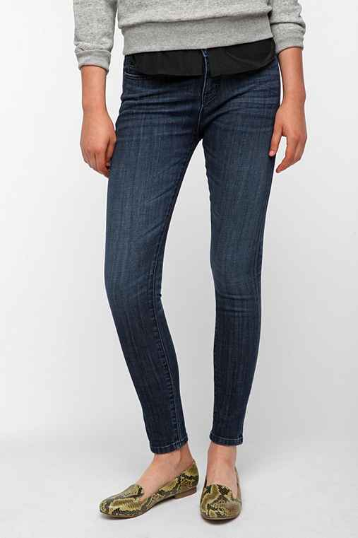 BDG Twig Mid-Rise Jean - Mid-Blue