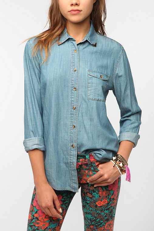 BDG Western Tip Chambray Shirt