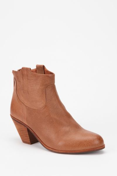 Sam Edelman Lisle Ankle Boot