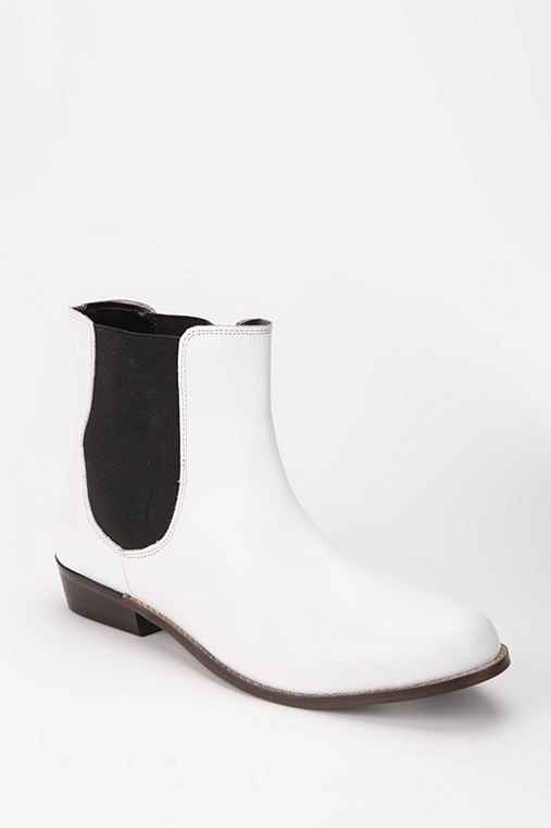 BDG Leather Chelsea Boot