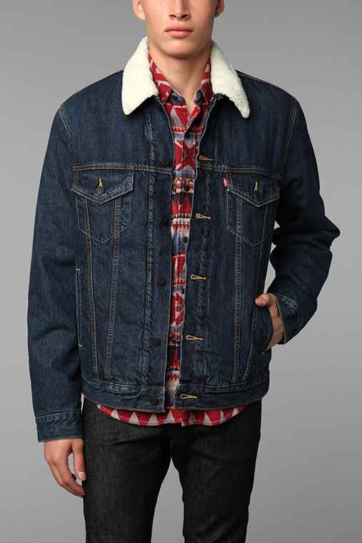 levis sherpa trucker jacket urban outfitters. Black Bedroom Furniture Sets. Home Design Ideas
