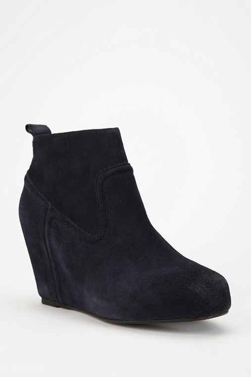 Dolce Vita Phillipa Suede Ankle Boot