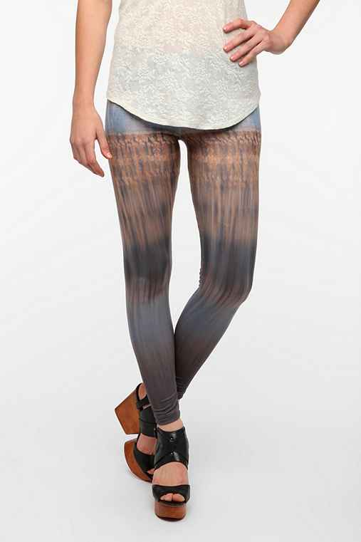 Out From Under Horizon Legging