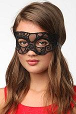 UO Lace Mask
