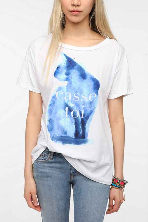 Hometown heroes casse toi cat tee for Lucky cat shirt urban outfitters