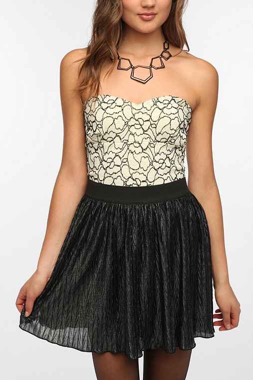 Pins and Needles Contrast Lace Strapless Top