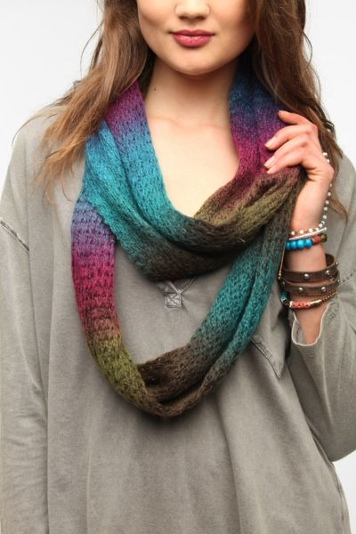 Staring at Stars Over The Rainbow Eternity Scarf