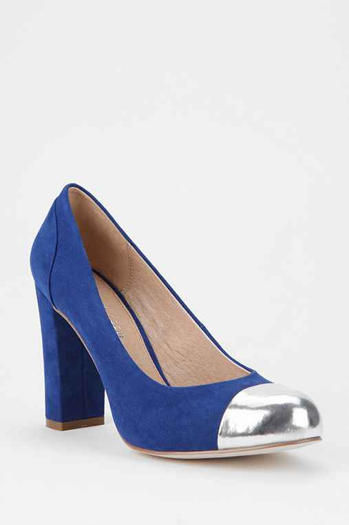 Chelsea Crew Metallic Toe-Cap Pump