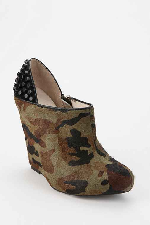 Messeca Georgella Camo Platform Wedge