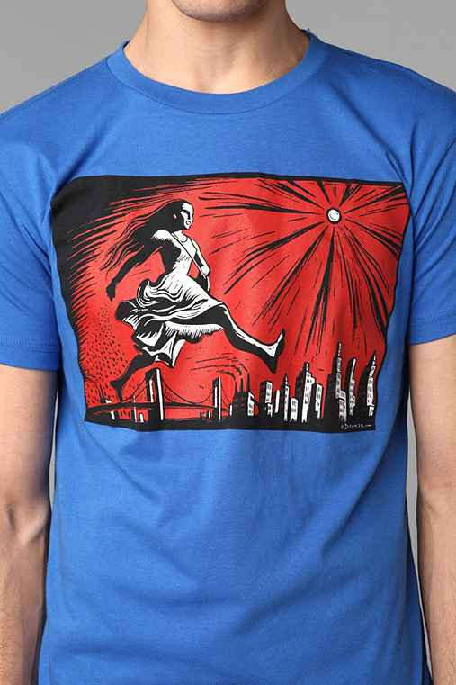 City Walking Tee