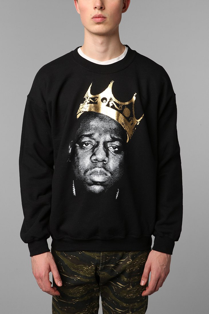 Biggie King Of NYC Pullover Sweatshirt - Urban Outfitters