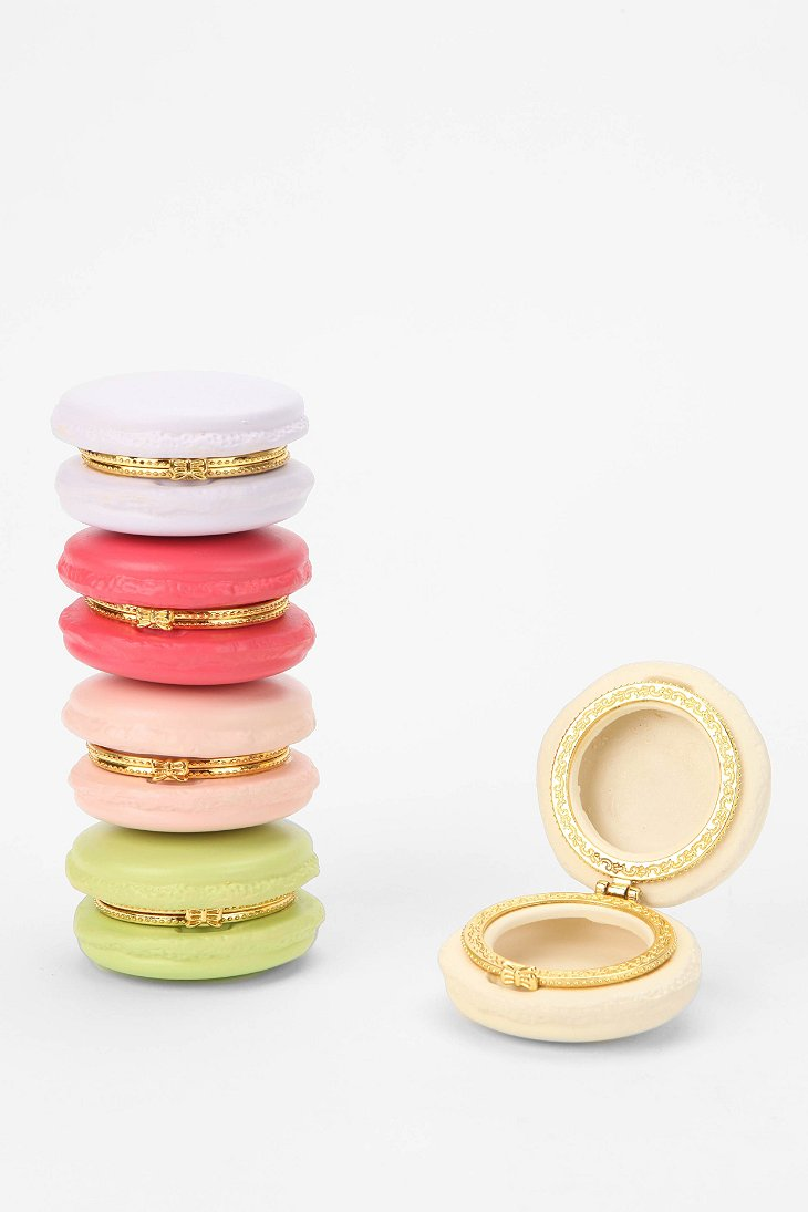 macaron box urban outfitters