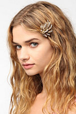 Swooping Feather Hair Clip