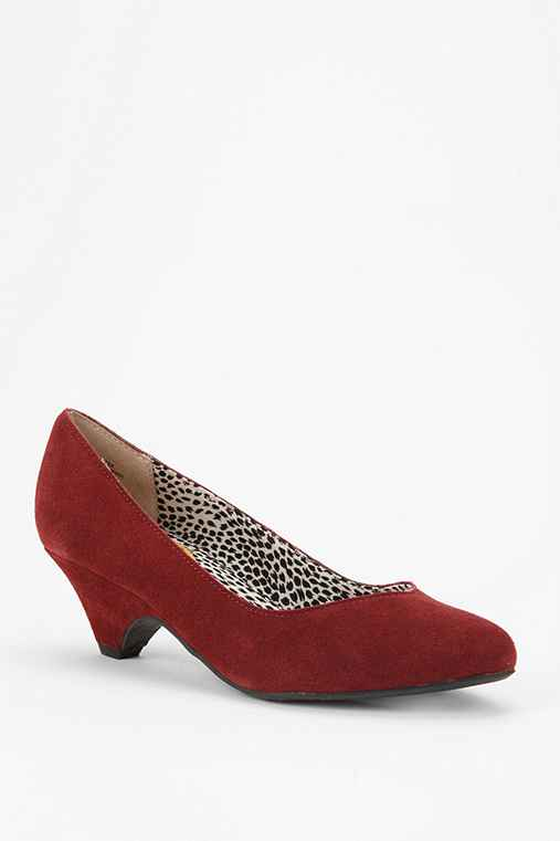 BC Footwear Winner's Circle Suede Pump