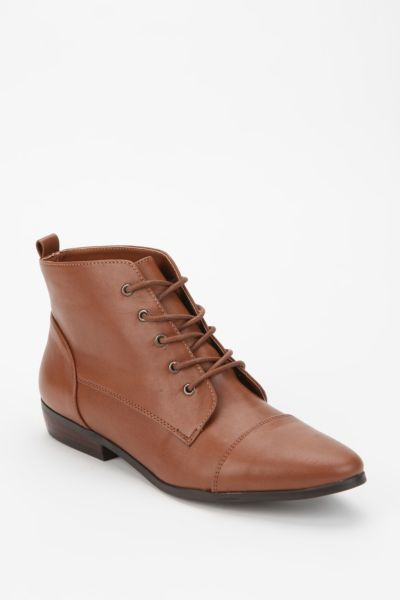 BDG Classic Lace-Up Ankle Boot