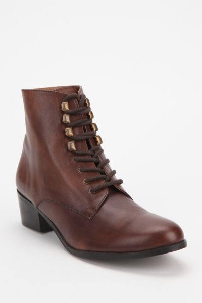 BDG Champlain Leather Lace-Up Boot