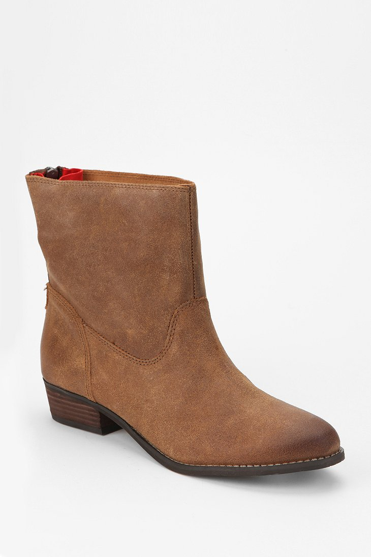 dv by dolce vita marce suede ankle boot outfitters