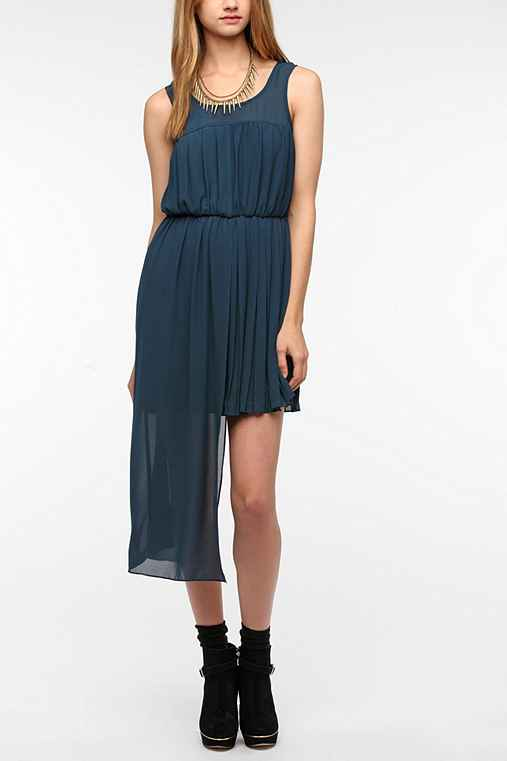 Sparkle & Fade Pleated Chiffon Step Hem Dress