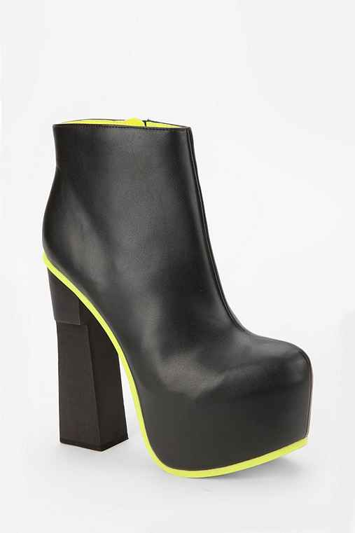 DV8 By Dolce Vita Contrast Sole Platform Ankle Boot