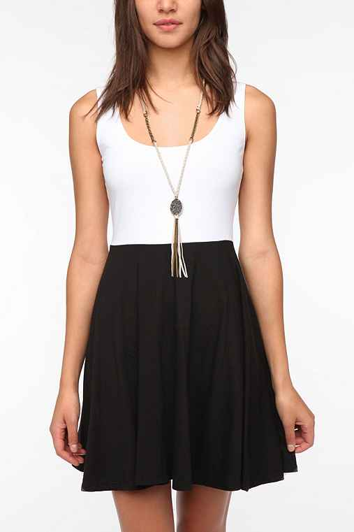 Sparkle & Fade Knit Colorblock Skater Dress