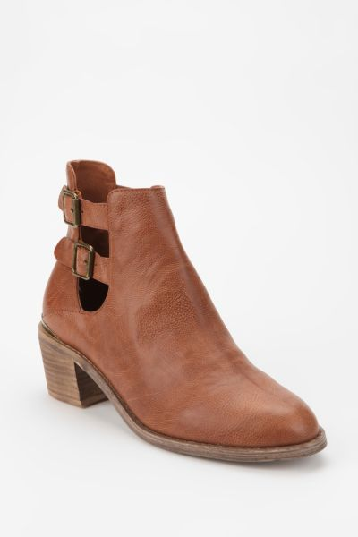 Ecote Gordon Cutout Boot